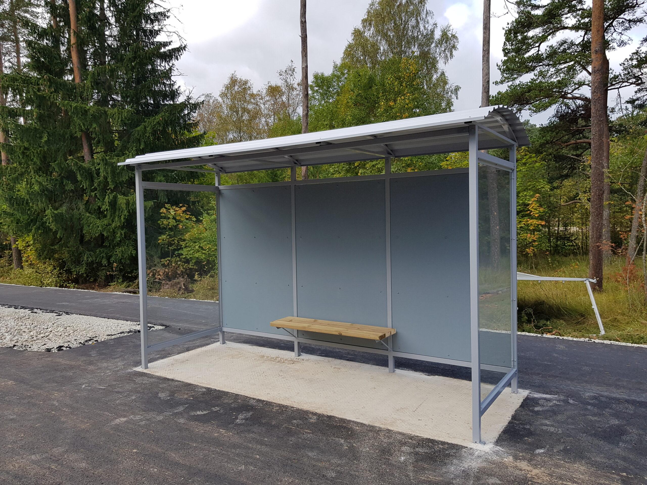 Maanteeameti nõuetele vastav bussiootepaviljon